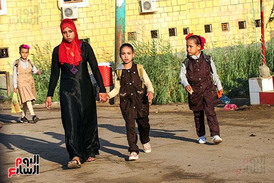 أول يوم مدارس في الارياف (1)