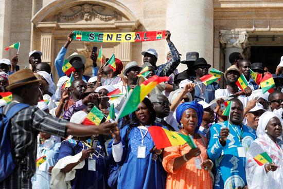 مواطنون سنغاليون حضروا اللقاء الأسبوعى لبابا الفاتيكان