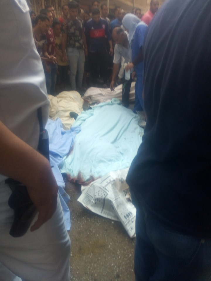 سقوط سيارة مكروباص من اعلى محور صفط نتج عنه عدد من الوفيات والمصابين (4)