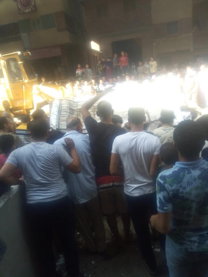 سقوط سيارة مكروباص من اعلى محور صفط نتج عنه عدد من الوفيات والمصابين (7)