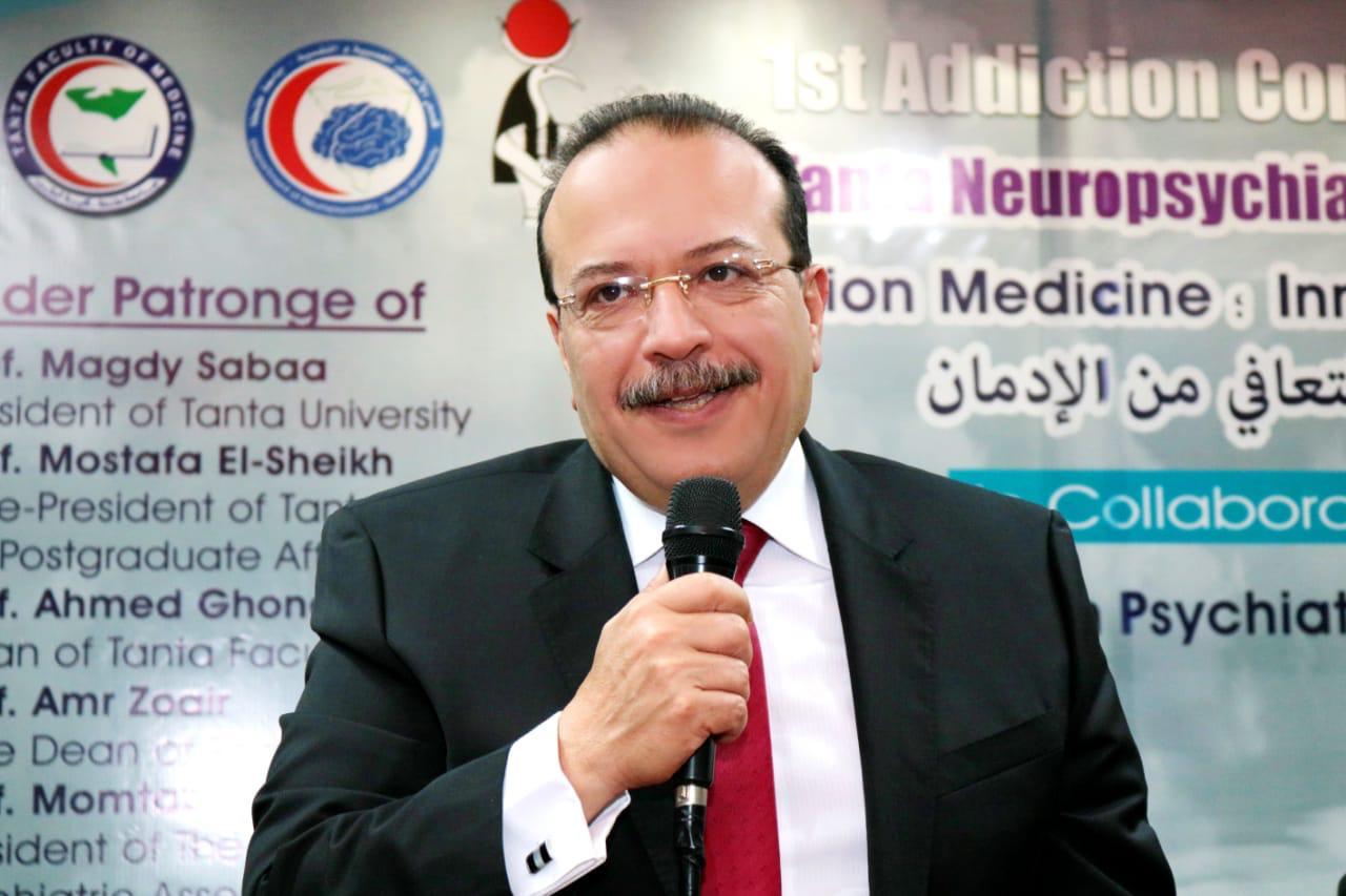رئيس جامعة طنطا يترأس المؤتمر الأول للإدمان بكلية الطب (1)