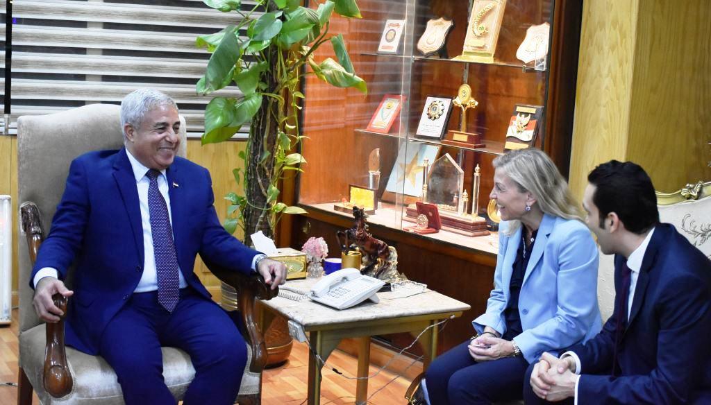 محافظ أسوان يستقبل سفيرة النرويج بالقاهرة (4)