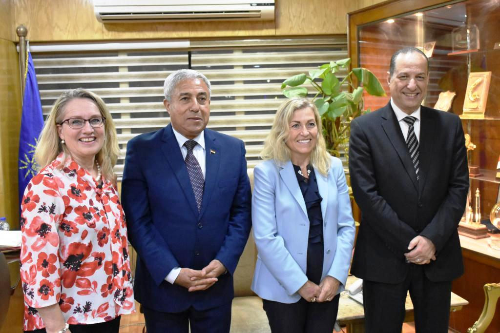 محافظ أسوان يستقبل سفيرة النرويج بالقاهرة (2)