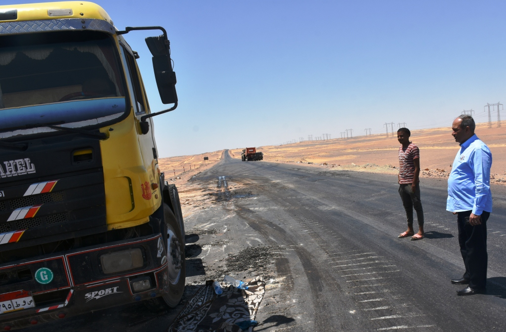 مشروع ازدواج الطريق الصحراوى