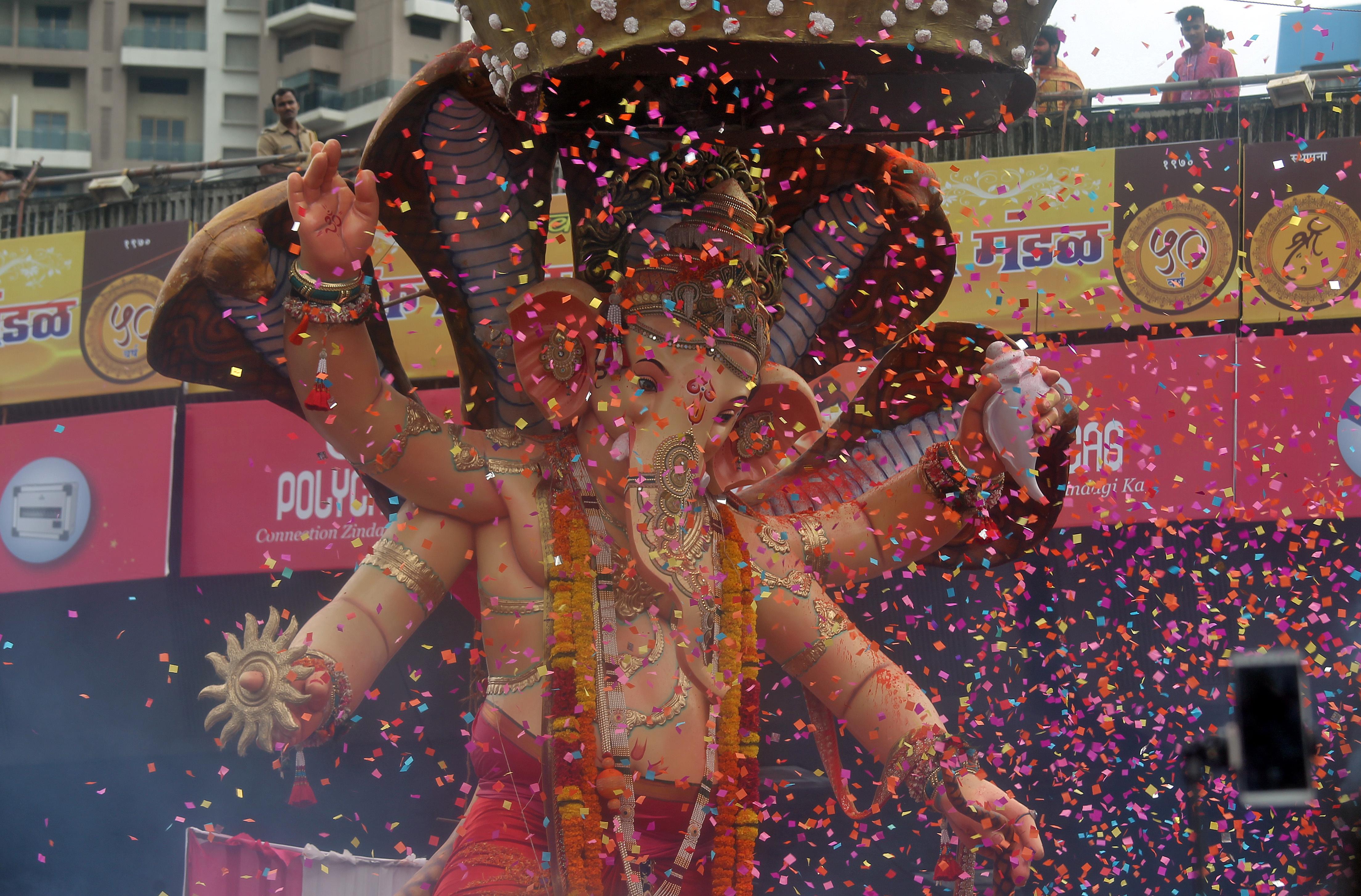 تمثال جانيش تشاتورثى إلة الحكمة وجلب السعادة