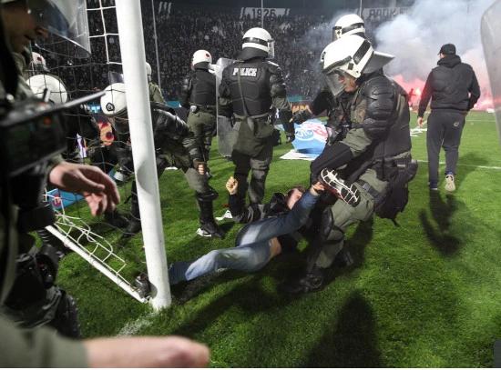 جانب من الاشتباكات مع الشرطة