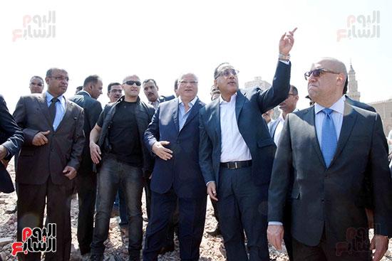 رئيس الوزراء بيتفقد منطقة سور مجرى العيون ومنطقة عين الحياة(9)