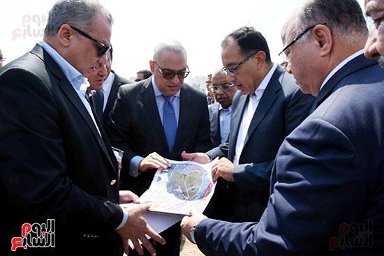 رئيس الوزراء بيتفقد منطقة سور مجرى العيون ومنطقة عين الحياة(20)