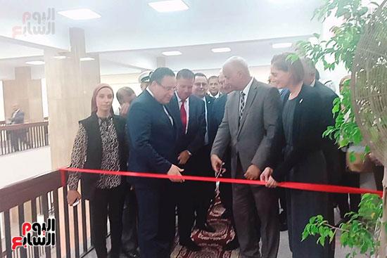 رئيس-جامعة-الإسكندرية-يفتتح-مركز-علوم-المياه-بتكلفة-30-مليون-دولار-(15)