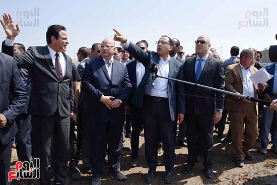رئيس الوزراء بيتفقد منطقة سور مجرى العيون ومنطقة عين الحياة(14)