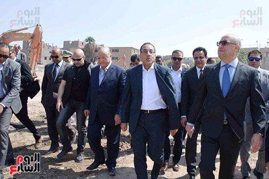 رئيس الوزراء بيتفقد منطقة سور مجرى العيون ومنطقة عين الحياة(2)