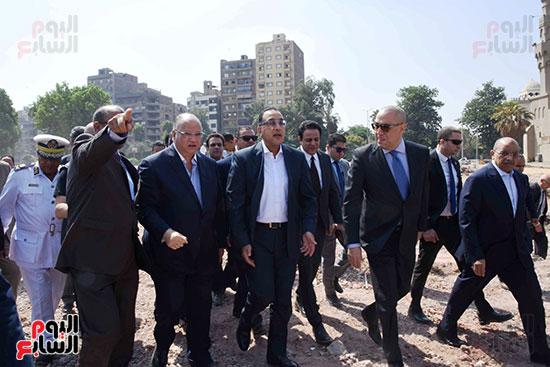 رئيس الوزراء بيتفقد منطقة سور مجرى العيون ومنطقة عين الحياة(3)