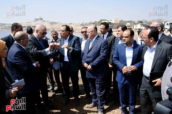 رئيس الوزراء بيتفقد منطقة سور مجرى العيون ومنطقة عين الحياة(18)