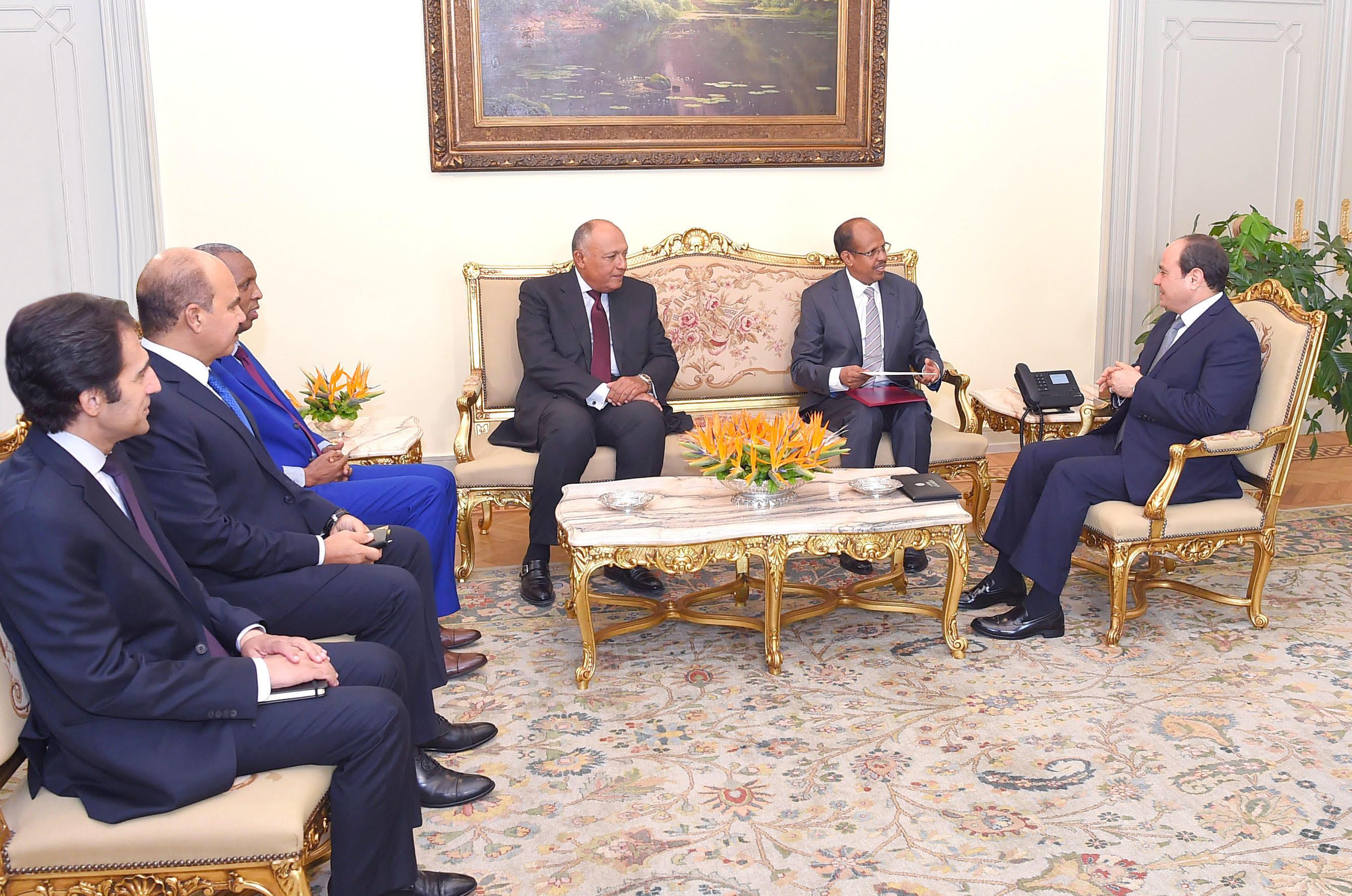الرئيس السيسى مع وزير خارجية جيبوتى (2)