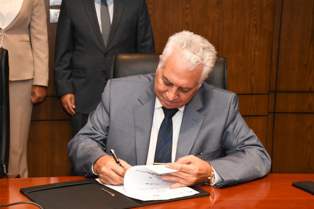 الدكتور مصطفى هديب رئيس الأكاديمية العربية