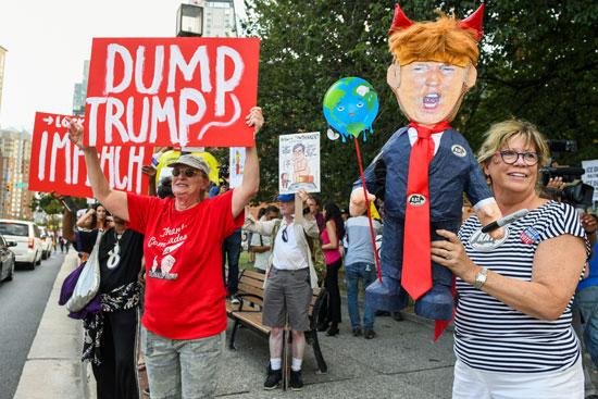 أمريكيون-يستبقون-زيارة-ترامب-بمظاهرات-ضده
