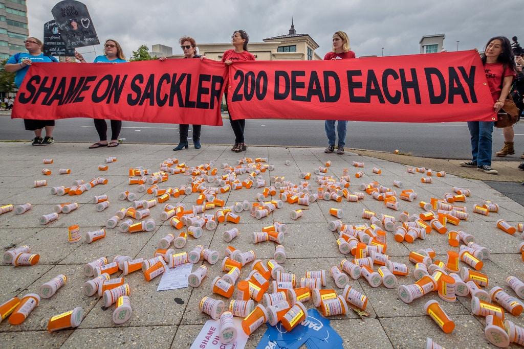 مظاهرات ضد شركة برودو فارما وأسرة ساكلر