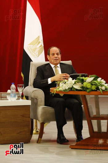 الرئيس السيسى، خلال جلسة اسأل الرئيس (18)