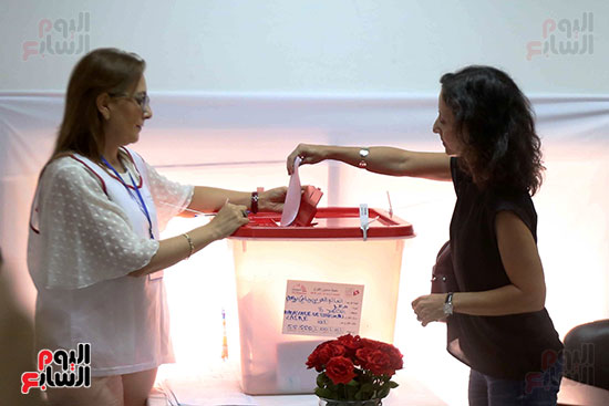 40111-انتخابات-تونس-فى-السفارة-بمصر-(22)