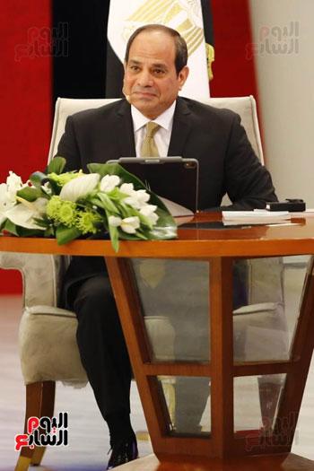 الرئيس السيسى، خلال جلسة اسأل الرئيس (7)