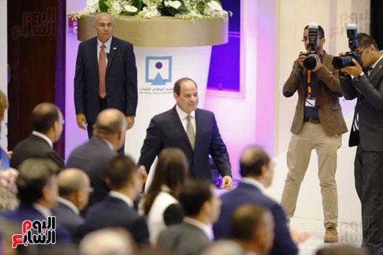 وصول الرئيس السيسى قاعة لمنارة