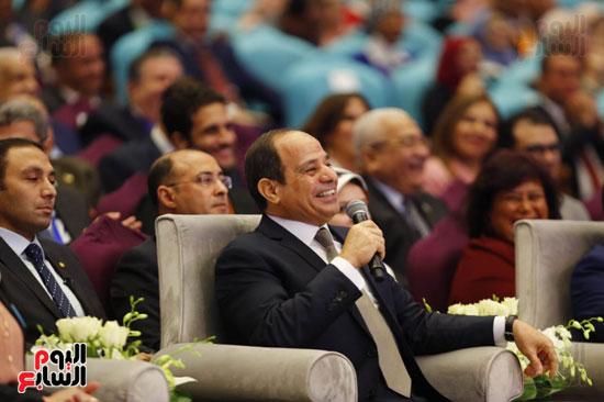 الرئيس يرد خلال المؤتمر