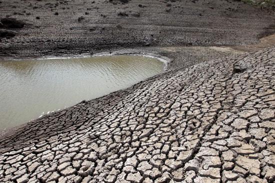 انحسار كبير فى مستويات المياه