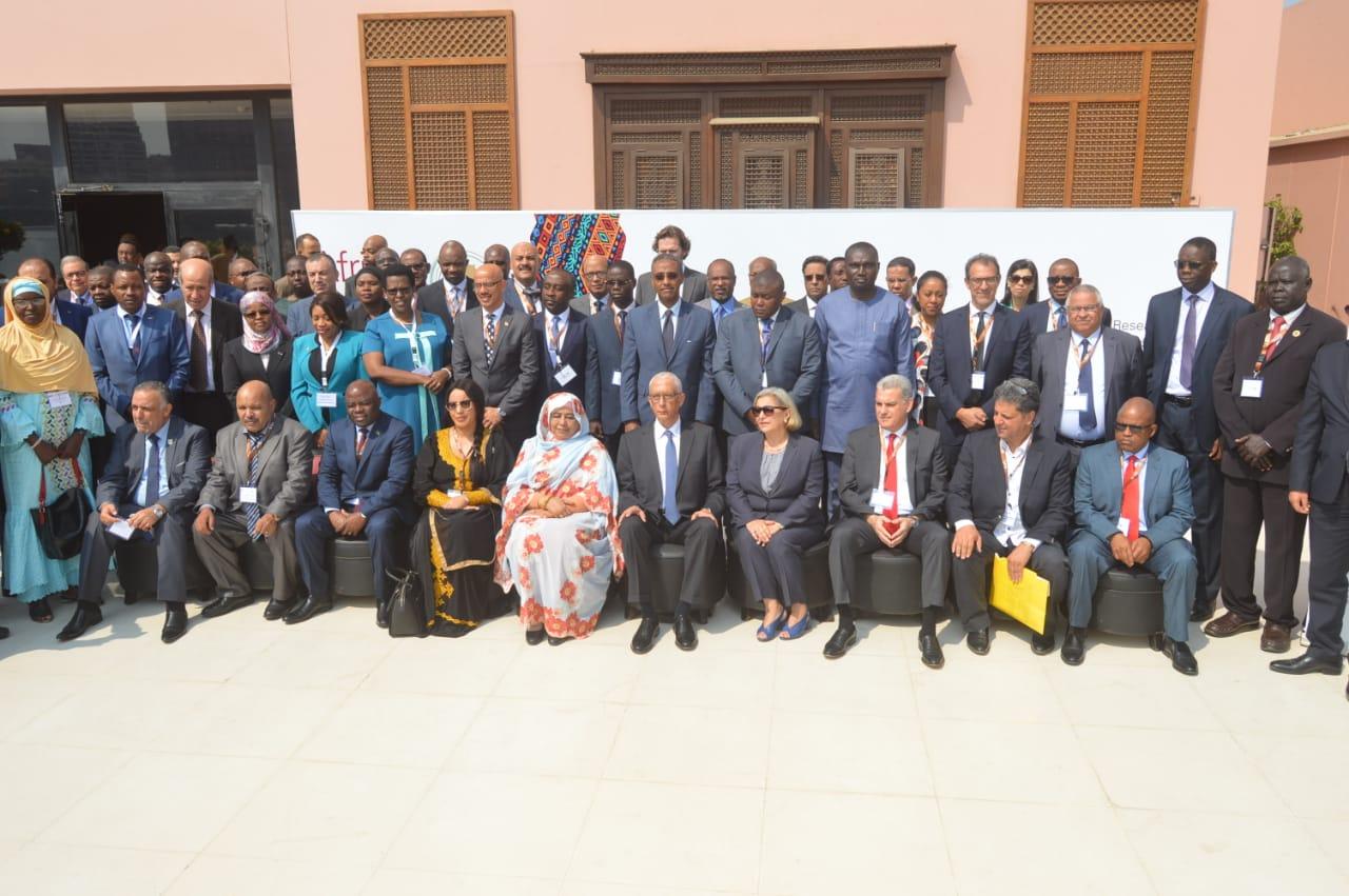 صورة جماعية للمشاركين فى الاجتماع