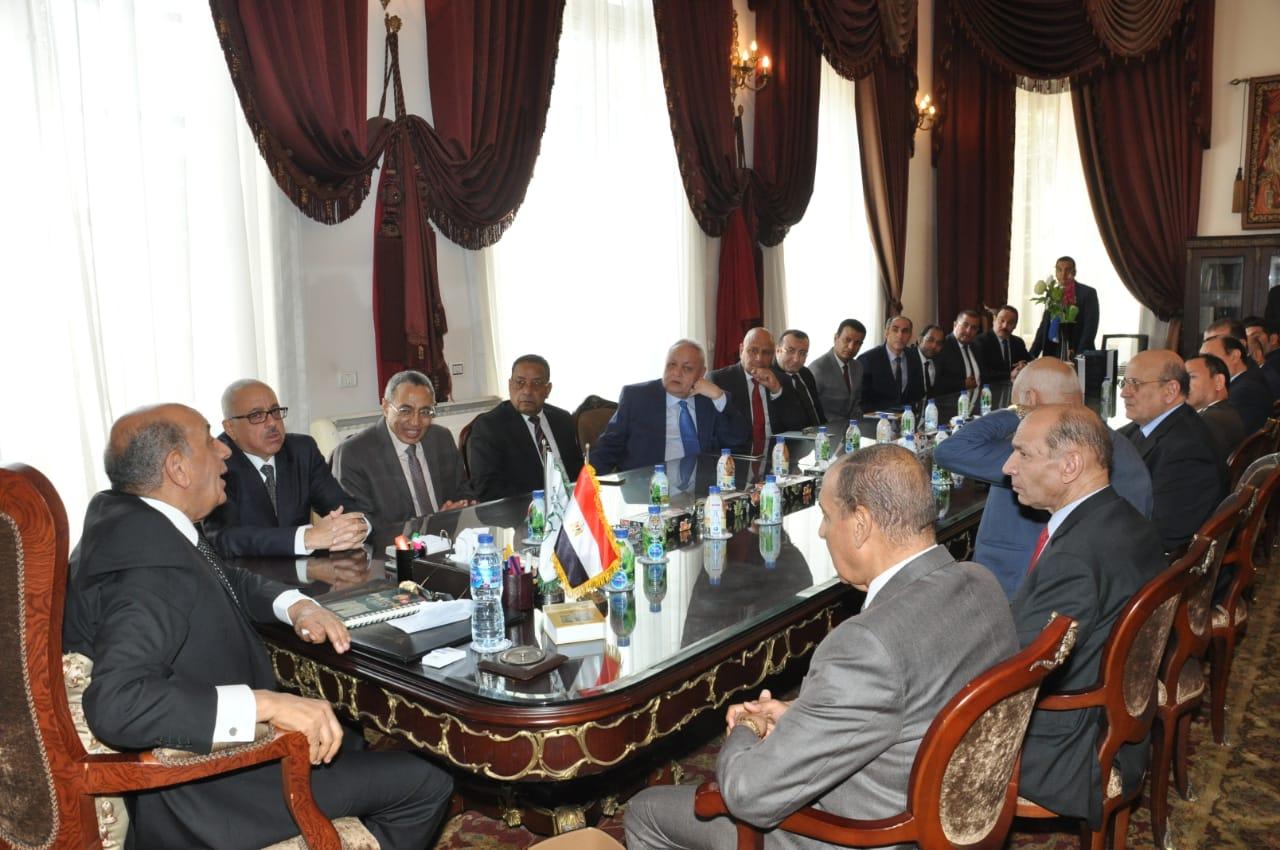 رئيس مجلس الدولة يصل قصر الاميرة فوقية (6)