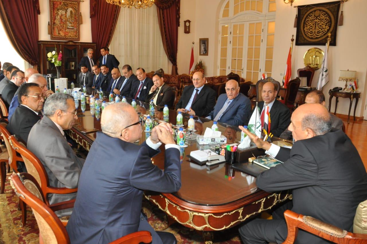 رئيس مجلس الدولة يصل قصر الاميرة فوقية (4)