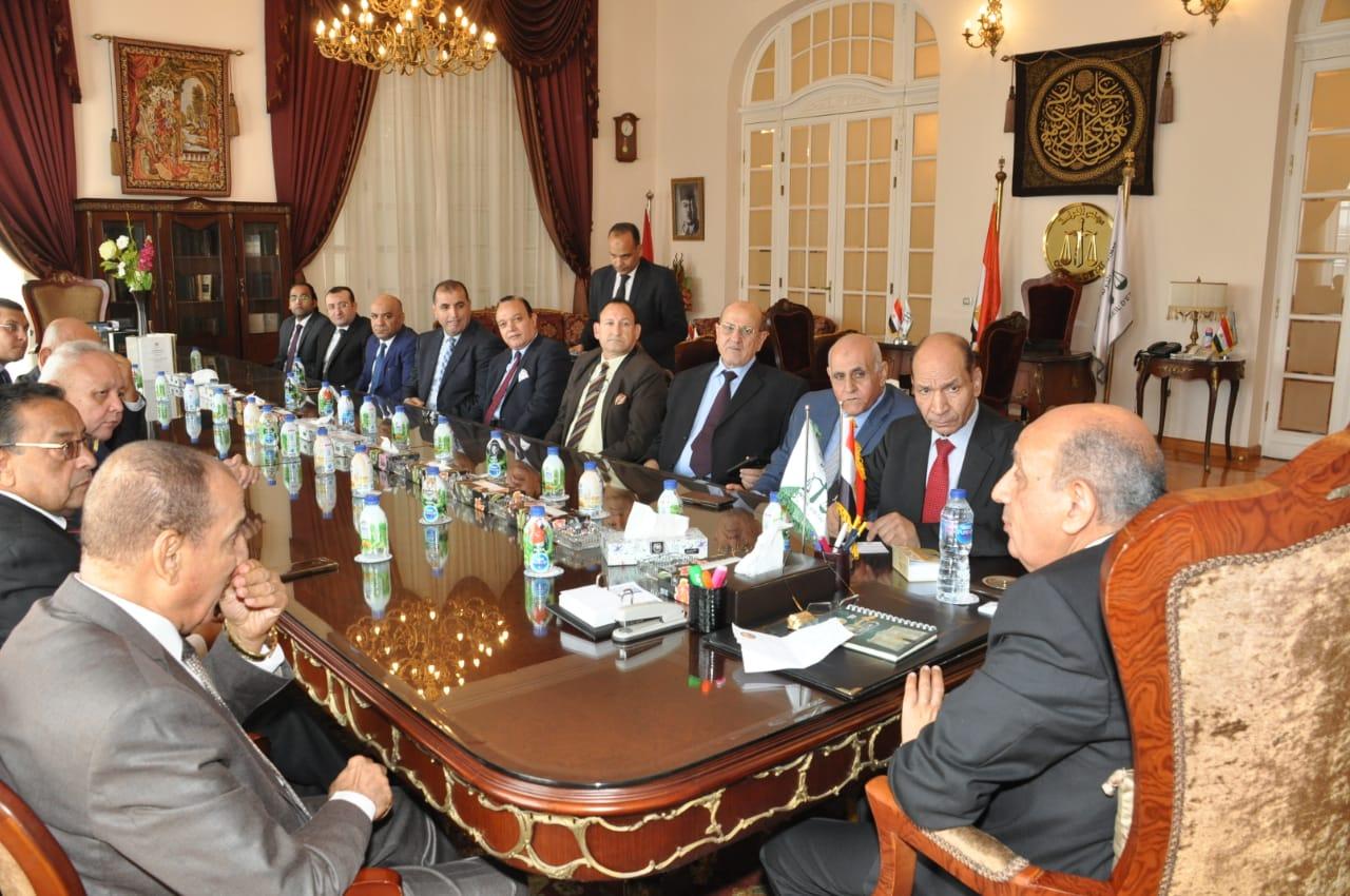رئيس مجلس الدولة يصل قصر الاميرة فوقية (3)