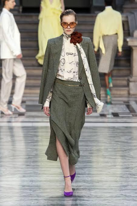 عرض أزياء فيكتوريا بيكهام بأسبوع الموضة فى لندن (5)