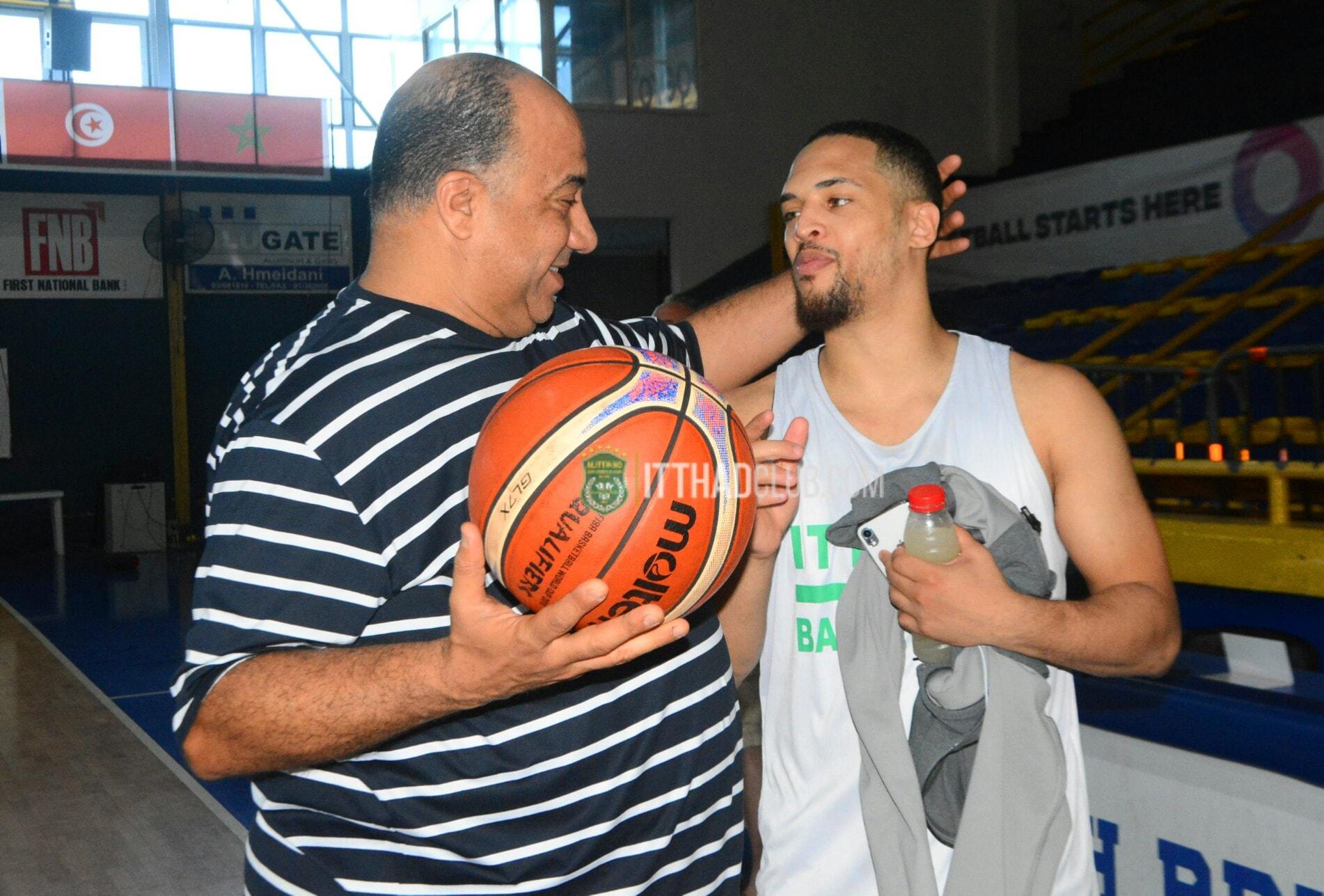ديكسون مع محمد مصيلحى