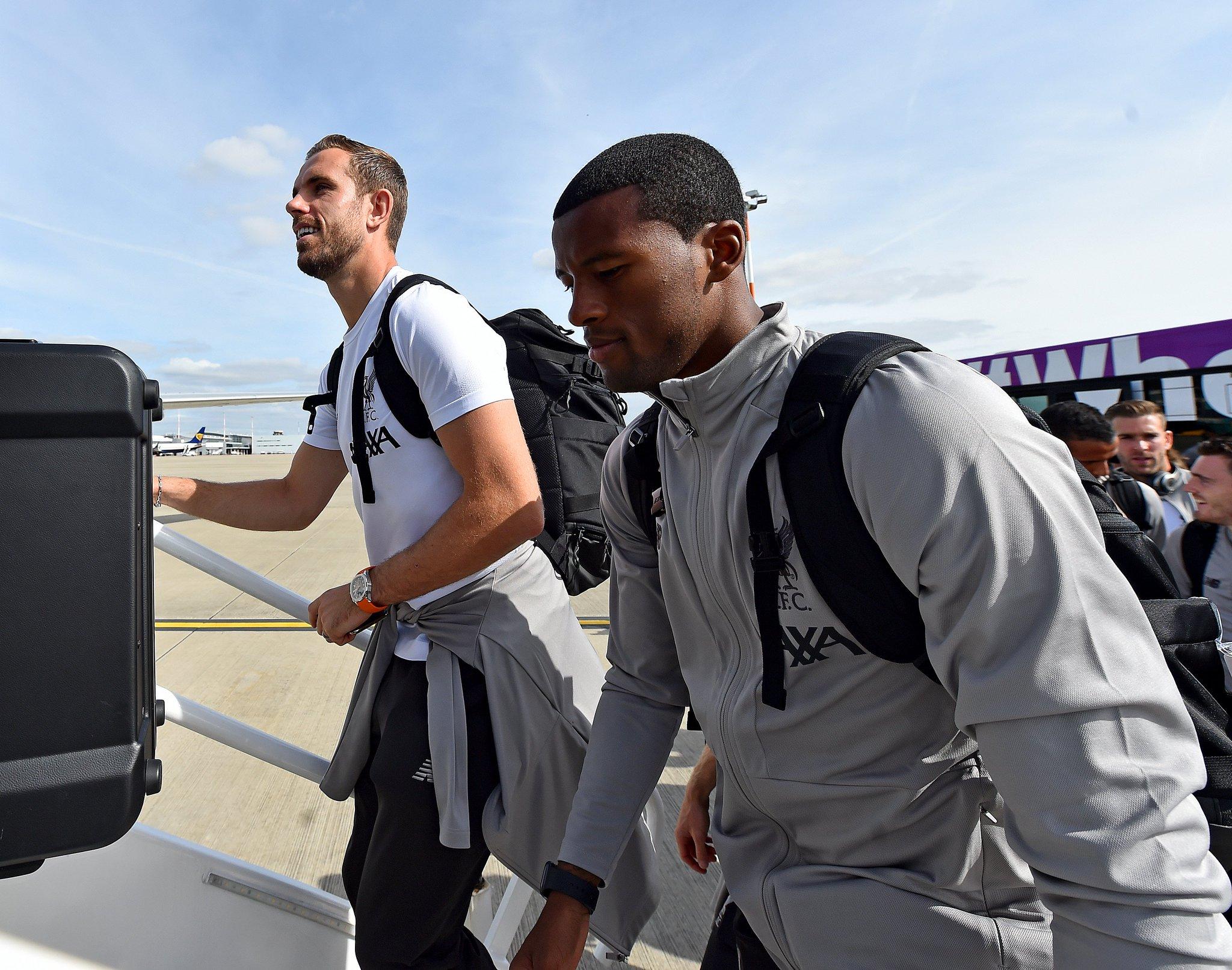 ليفربول يغادر إلى إيطاليا (1)