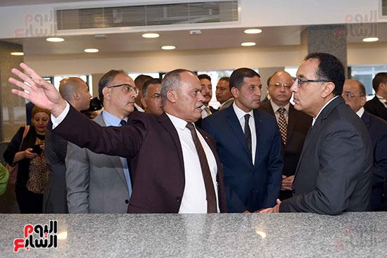 رئيس الوزراء يتفقد مركز خدمة المستثمرين بمدينة نصر وتطوير المنطقة الحرة (3)