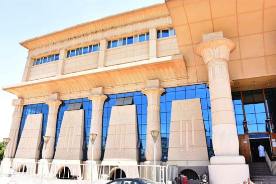 طوارئ بالمدن الجامعية بجامعة عين شمس (1)