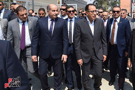 رئيس الوزراء يتفقد مركز خدمة المستثمرين بمدينة نصر وتطوير المنطقة الحرة (1)