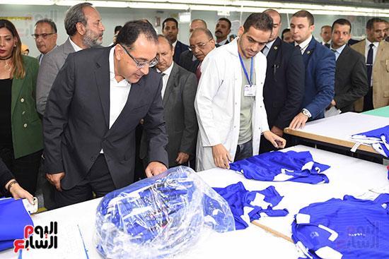 رئيس الوزراء يتفقد مركز خدمة المستثمرين بمدينة نصر وتطوير المنطقة الحرة (5)