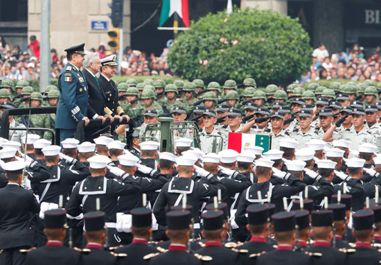 2019-09-16T160950Z_318022601_RC1C2AF933B0_RTRMADP_3_MEXICO-INDEPENDENCEDAY