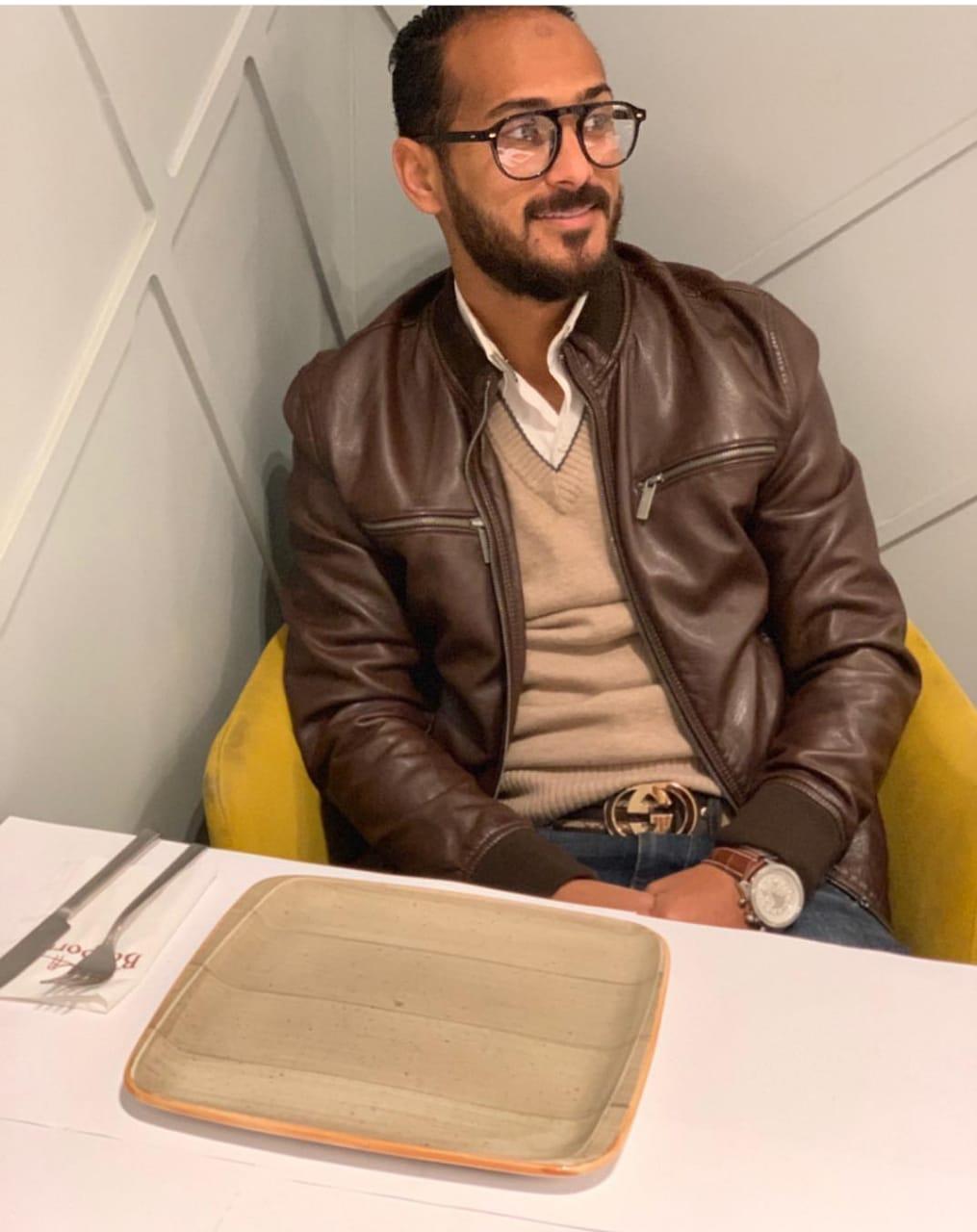 وليد سليمان بالنظارة