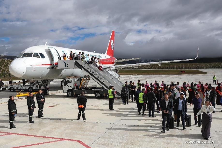 المطار الصينى الجديد يستقبل أولى رحلاته