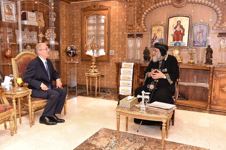 قداسة البابا يستقبل سفير مصر بكوت ديفوار (1)