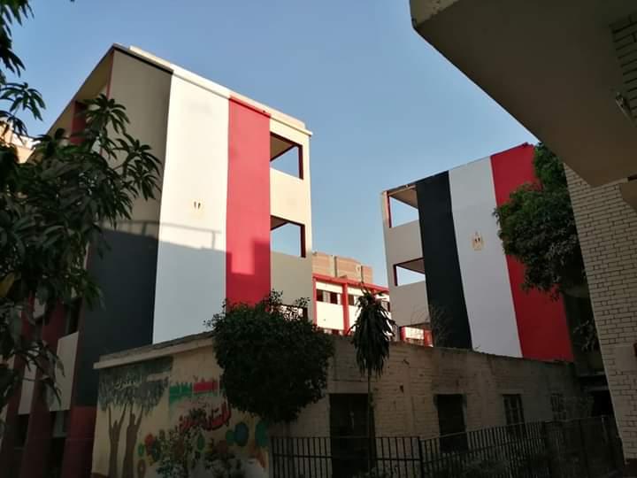 مدارس الجيزة تتزين بالأعلام استعدادا للعام الدراسي الجديد (3)