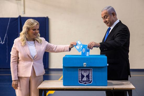 رئيس الوزراء الإسرائيلي بنيامين نتنياهو وزوجته سارة