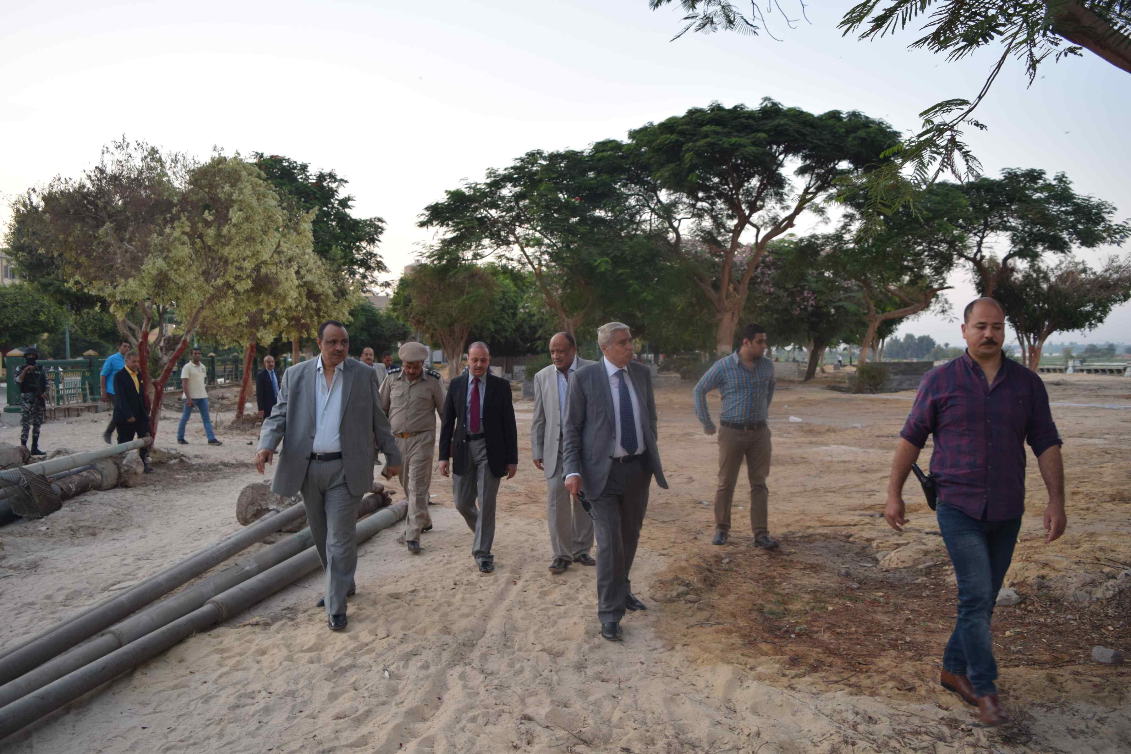 أعمال تطوير كورنيش النيل بالمنيا