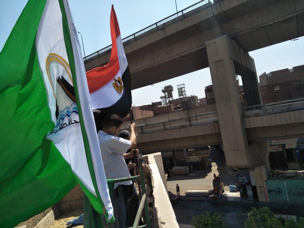 مدارس الجيزة تتزين بالأعلام استعدادا للعام الدراسي الجديد (1)