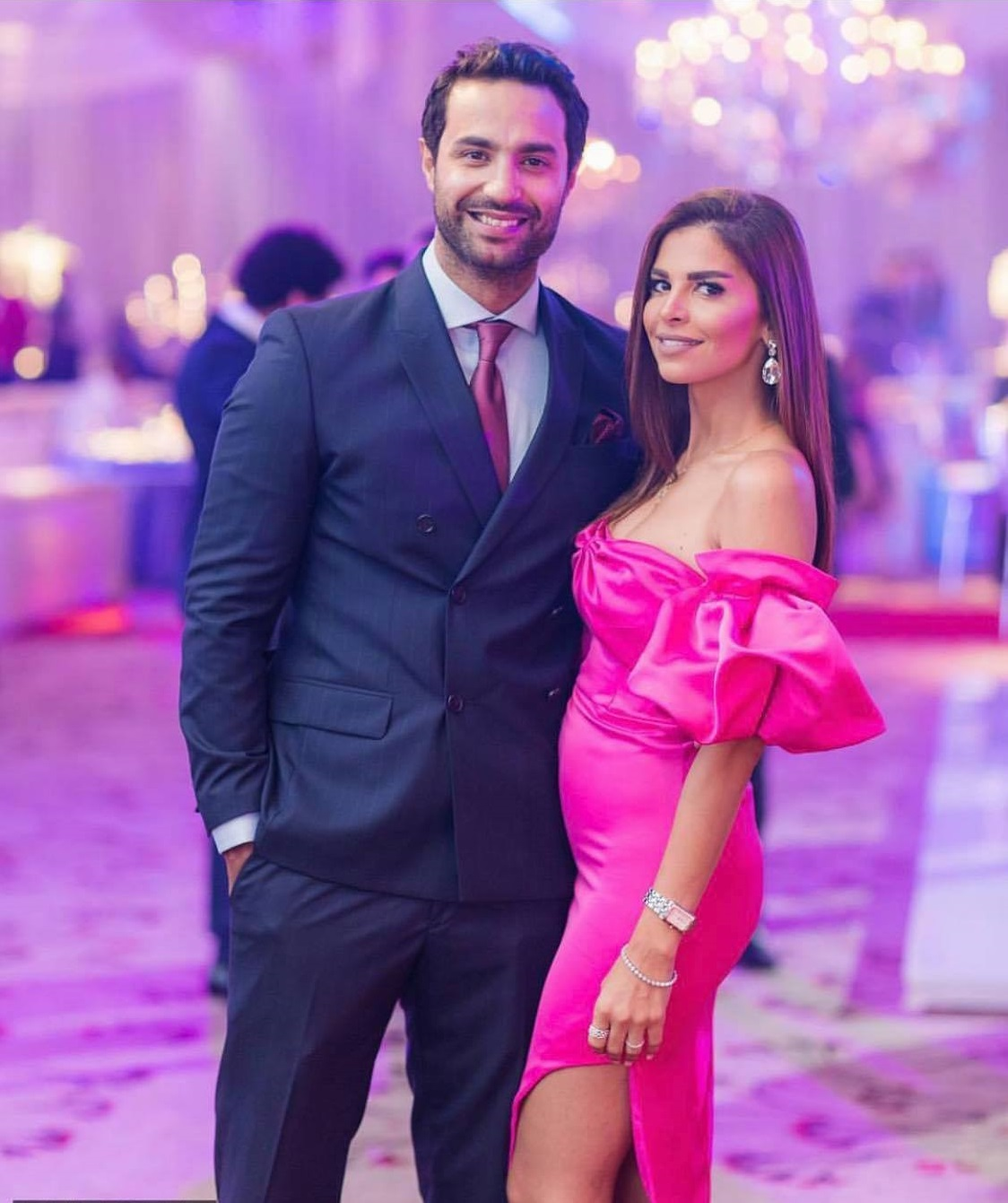 كريم فهمي وزوجته (3)