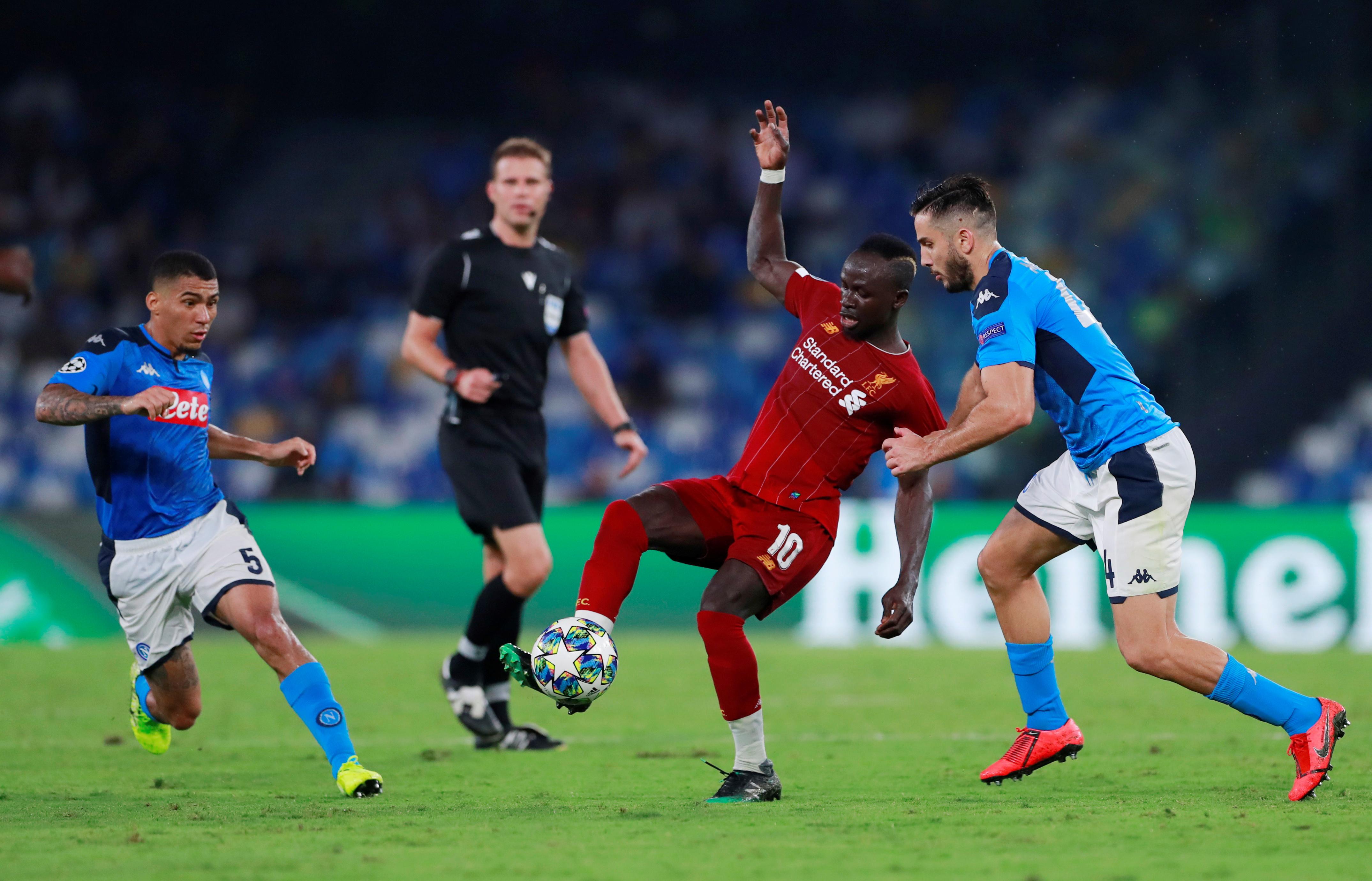 ليفربول ضد نابولى  (9)