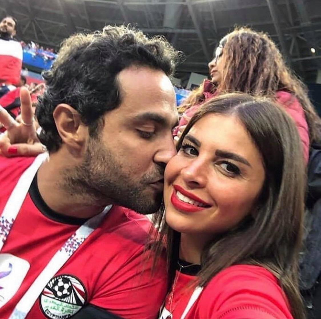 رومانسية كريم فهمي مع زوجته (4)