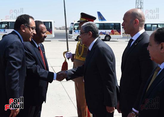 خلال استقبال رئيس الوزراء السودانى
